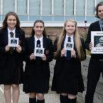 Estudantes ganham competição e Kasabian tocará em escola na cidade de Harlow, Inglaterra