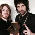 Kasabian alcança o primeiro lugar nas paradas britânicas com seu novo álbum For Crying Out Loud